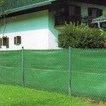 Sichtschutz Zaun Tennis Blende Windschutz Schattiernetz HDPE Gewebe Windhager Bild 2